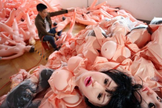 จีนตีตลาด ตุ๊กตายาง แข่งกับญี่ปุ่น