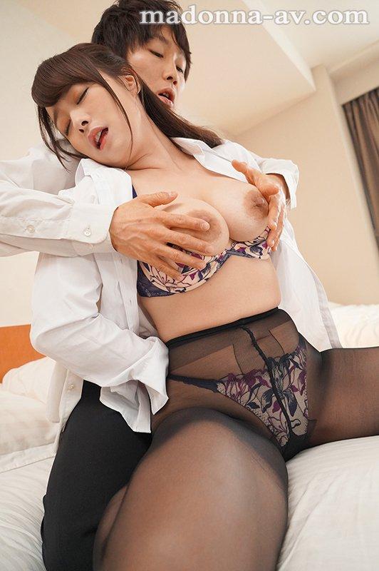 หนังAV   JUL-225  Shiraishi-Marina マドンナ専属『白石茉莉奈』×超鉄板『相部屋』シリーズ!! 出張先のビジネスホテルでずっと憧れていた女上司とまさかまさかの相部宿泊 PWD aoxx69