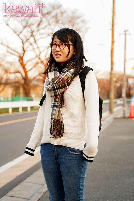 หนังAV CAWD-098 Horikoshi-Mina 天然アニメ声人見知りで読書好き 富山の自然が育んだ敏感美乳メガネ女子1本限りのAV体験