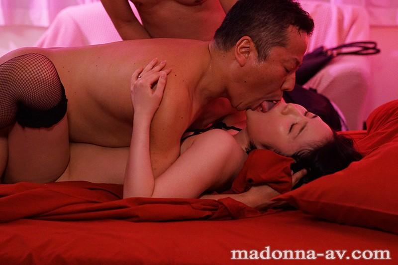 หนังAV  JUL-259 Maihara-Hijiri 背徳の寝取らせシアタールーム 低俗男たちの醜い肉棒で汚された貞淑妻ー。