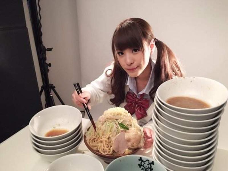 สาวAV-โมโมโนงิ คานะ (Momonogi Kana) นักกินกระเพาะเหล็ก แข่งกินพิชิตแชมป์!