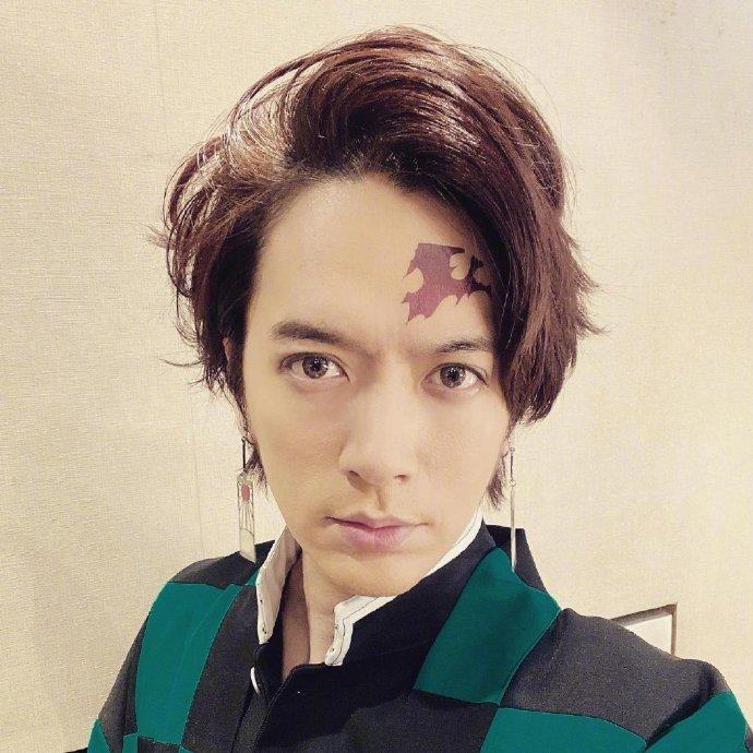 แนะนำหนังAV-ดาบพิฆาตอสูรที่กำลังดังในญี่ปุ่น มีฉบับหนัง AV ด้วย แล้วใครได้รับบทเนซึโกะ?