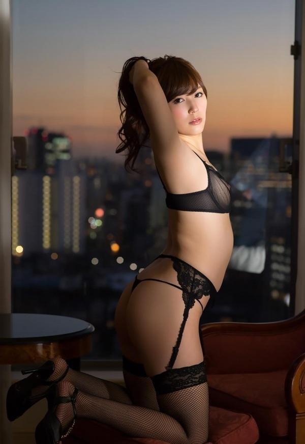 แม้ว่าค่าย Prestige ตอนนี้จะเจอกับอุปสรรคมากมาย แต่อย่างน้อยยังมีดาราเอวีตัวท็อป Remu Suzumori กับ Yatsugake Umi อยู่ในค่าย